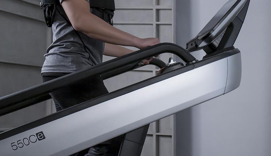 Equipment Intenza Escalate Stairclimber Closeup Column