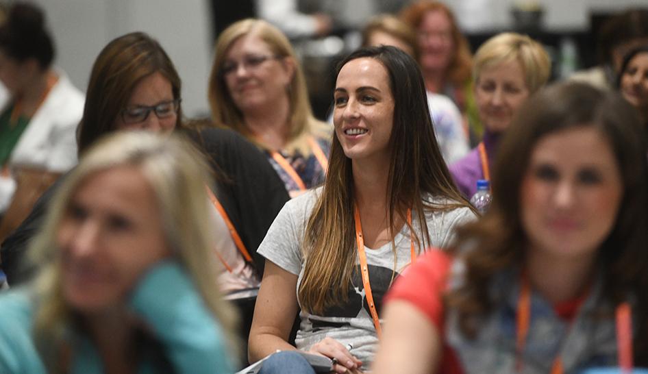 Industry News Womens Summit Crowd Column