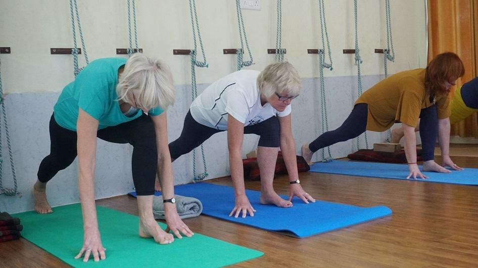 SOI senior yoga unsplash column