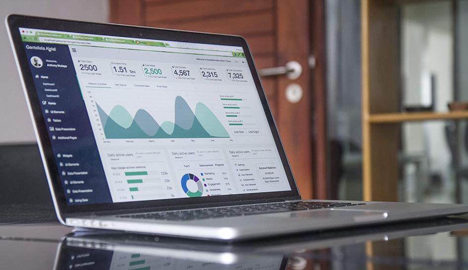 Strategy Laptop Graph Column