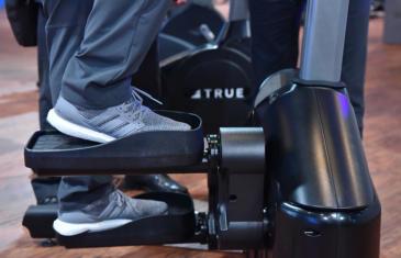 Equipment 19Cv Trade Show True Stepper Column