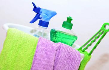 Member retention cleaning stock column