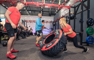 Personal Training Life Fitness Trainer Tire Column