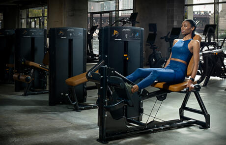 Equipment Life Fitness Axiom Woman Leg Press column