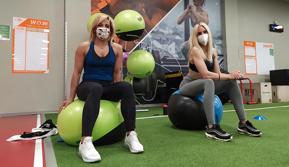 Coronavirus Viva Gym workout with masks column